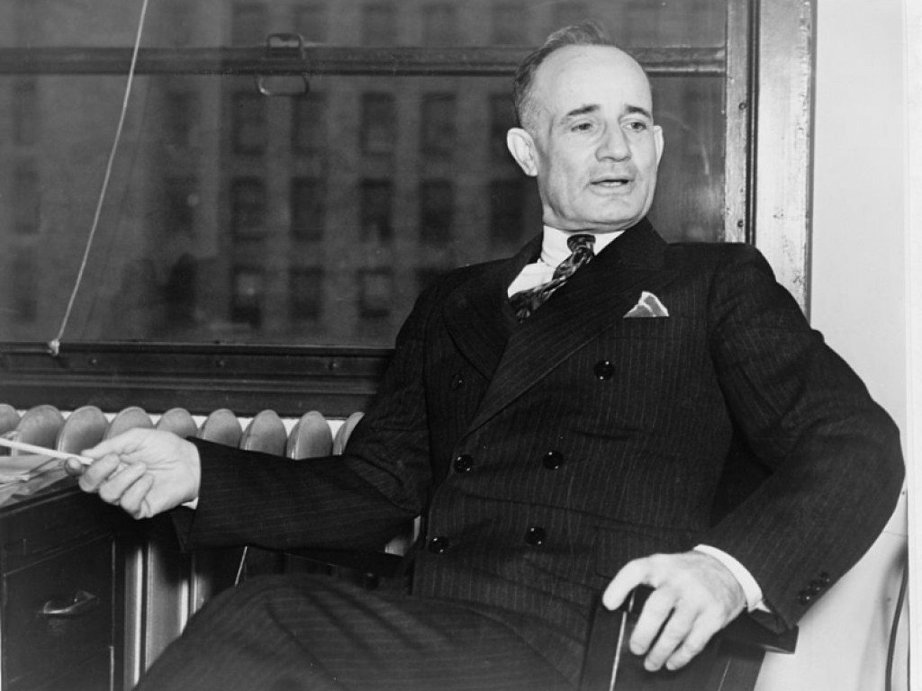 10 Success Principles of Iconic Leaders: Napoleon Hill