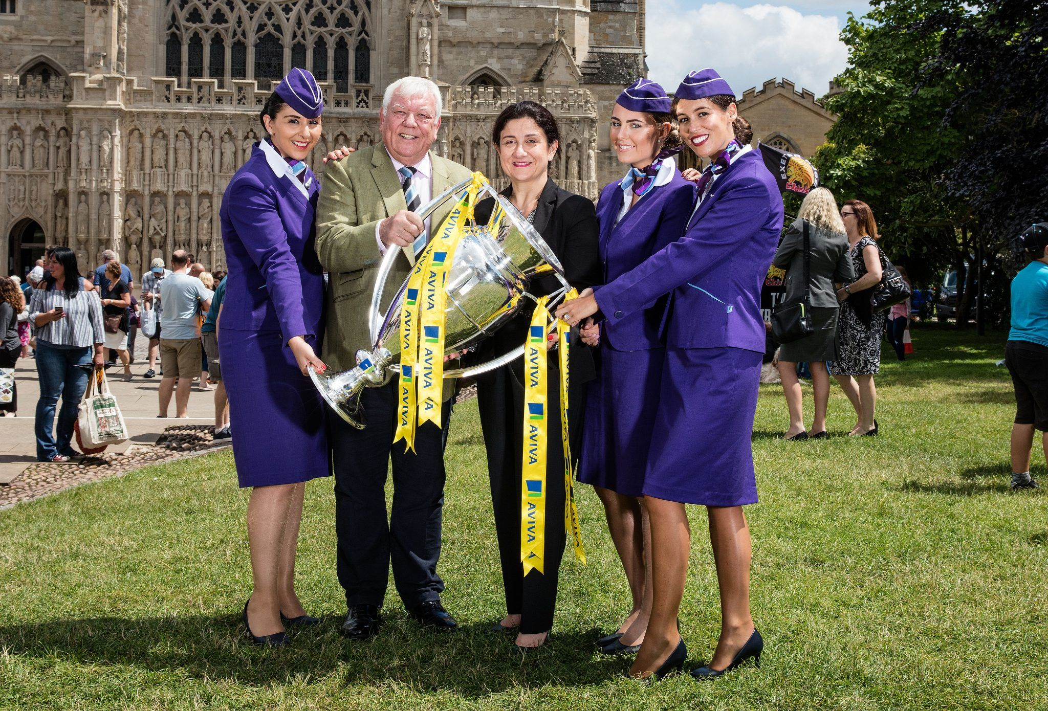 FLYBE RENEWS COMMITMENT TO EXETER CHIEFS RUGBY