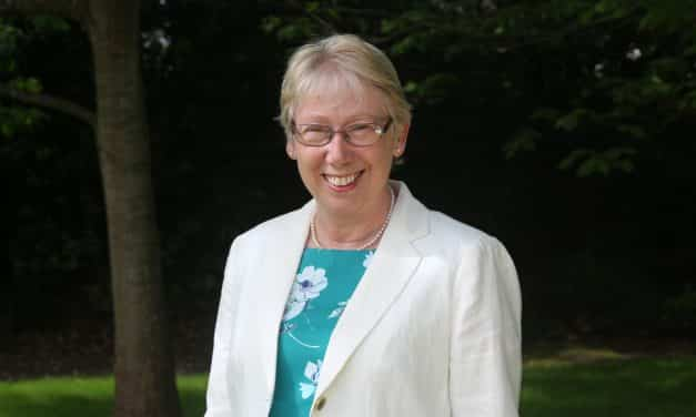 Hospiscare CEO retires after thirteen years in role