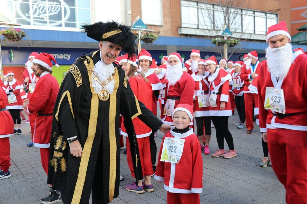 santa run 2019 mayor small child