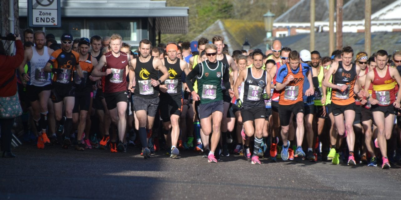 Hundreds Of Runners Take Part In The exeter Half Marathon