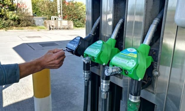 Business Offers Free Fuel Pump Hand Protection to Forecourts Globally